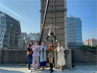 《多情城市》 黃文星、Gino懸吊七樓外:「當演員好苦」