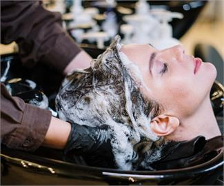 添加咖啡因的洗髮精「不可能生髮」!食藥署提醒:購買時注意這些字句