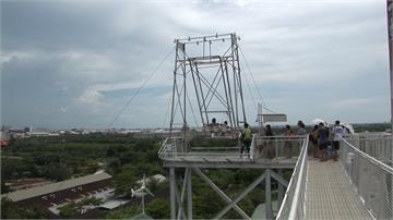 台南超刺激「天堂上鞦韆」 一盪上11層樓俯瞰奇美博物館