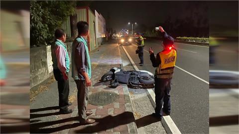 暖!目擊機車騎士自摔 蘇震清協助傷者送醫