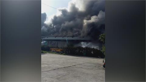 中火輸煤皮帶著火 黑龍竄半邊天 消防隊搶救