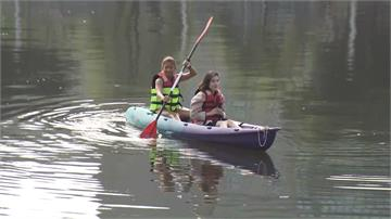 玩水新選擇!高雄市還河於民民眾玩水需穿救生衣 救生員隨時巡邏