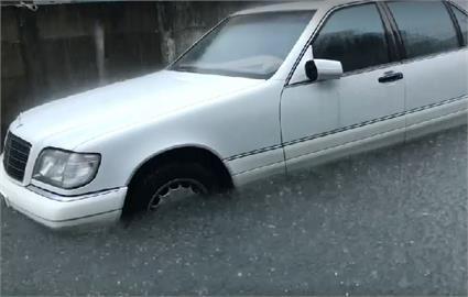快新聞/北港路面變河道!雲林嘉義發布淹水警戒 石門、鯉魚潭等8水庫放水中