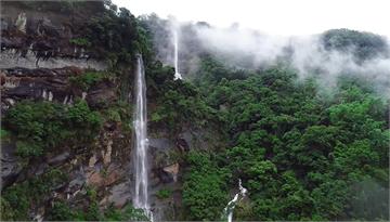 快新聞/雨後限定版巨石瀑布群 嘉義「達娜伊谷」宛如仙境
