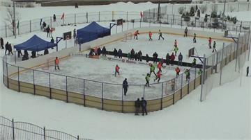 俄羅斯「雪靴冰球賽」 傳統遊戲安全易上手