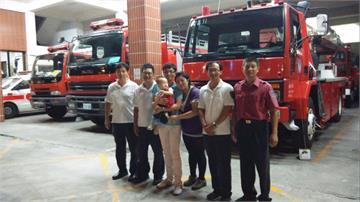 「謝謝叔叔讓我平安出生」男童「注音文」紅包送消防隊