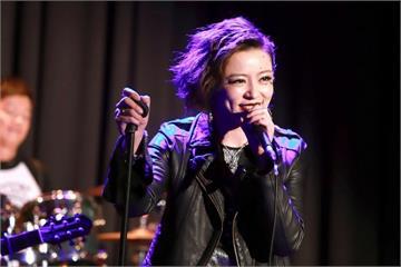 王瞳新戲《微笑。淚》探討身心障礙議題 請教艾成「歌手怎麼演?」