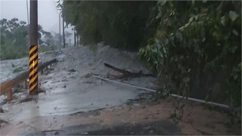 快新聞/豪雨不斷!聯外道路坍塌 花蓮瑞穗鄉奇美村宣布明日停班停課