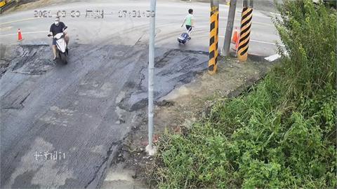 學校後門路口沒紅綠燈 男童過馬路遭機車撞上