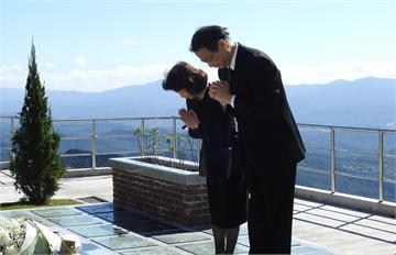 快新聞/前總統李登輝長眠五指山 泉裕泰前往參拜誓言「為日本和台灣竭盡心力」