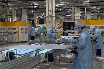 再生能源新里程! 最大太陽能模組廠屏東啟用