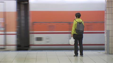 端午3天連假 直擊台鐵月台 搭車民眾寥寥無幾