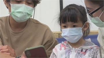 家長注意!1天猛盯平板6小時 5歲女童罹患眼結石