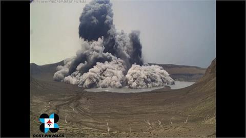 濃煙竄升1公里!菲火山噴發 民眾緊急撤離