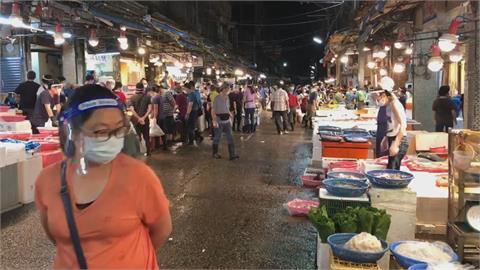 北台灣最大漁市!基隆崁仔頂漁市沒人潮 攤商叫苦連天