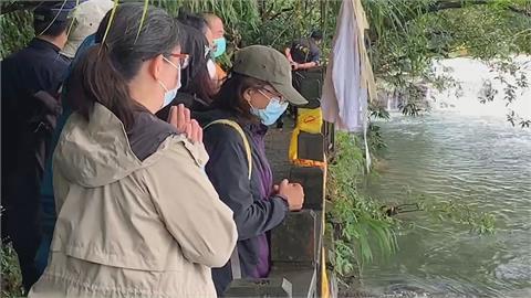 蘇姓領隊稱「提醒別過梳子壩」 遭劉爸爸打臉