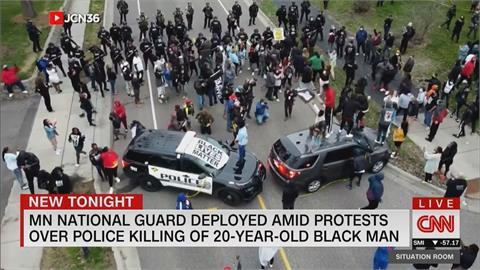 要電擊誤拔真槍? 美國20歲非裔男遭警槍殺