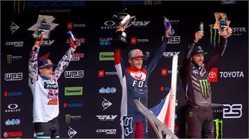 福克納過彎衝撞去年車王 奪越野摩托車賽分站冠軍