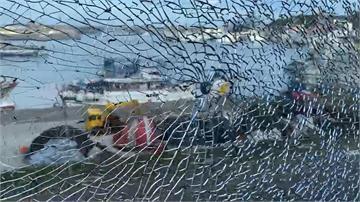 快新聞/基隆海科館窗戶玻璃驚見「蜘蛛網狀碎裂」 疑遭彈弓鋼珠射擊