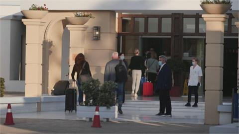 荷蘭業者合作希臘飯店 推小島旅遊泡泡!