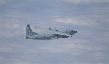 快新聞/共機3架「運8」今再闖我西南空域! 空軍派遣兵力應對「防空飛彈追監」