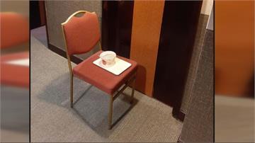 房門前都擺一張椅子 旅館居檢、散客混住違規