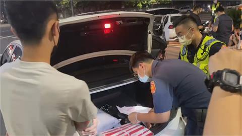 自以為正義亂打人! 警逮12人搜出毒品、刀械