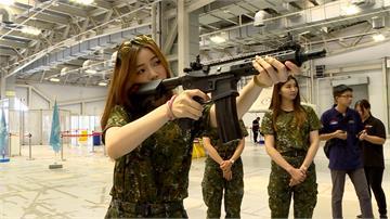 迷彩嘉年華登場 俄羅斯、日本女玩家全副武裝出席