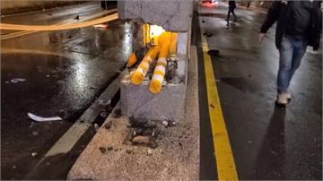 疑天雨路滑 北市重機失控自撞橋墩喪命