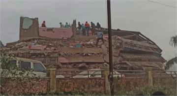 印度5樓公寓突然倒塌 恐有上百人受困