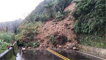 豪雨不斷!雙溪102縣道 上萬噸土石崩落、交通中斷