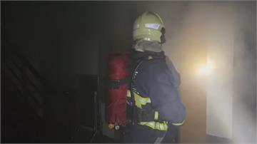 宜蘭五結民宅深夜火警 女2陽台垂掛逃生