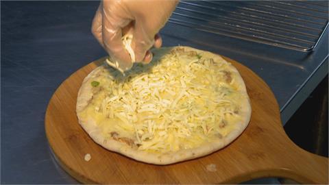 別人吃剩拼起來的? 父親節訂披薩驚見「每片大小不一」