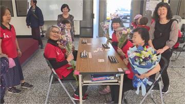 88歲大姐帶頭行善!銀髮4姊妹花致力當志工