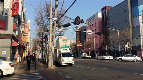 快新聞/南韓疫情壓不下「連續1個月破千例」! 首都圈4級、非首都圈3級警戒再延2週