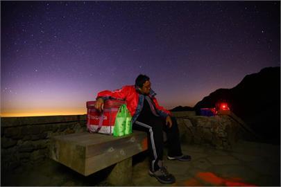 最遠外送!熊貓男夜騎286公里登海拔3158公尺合歡山 只為送朋友2杯飲料!
