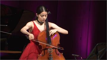 歐陽娜娜舔中失敗!仍以「台灣音樂家」入選《富比士》