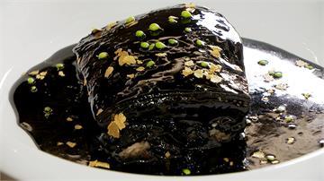年菜圍爐搶先看 墨跡東坡肉 凱達飯店創意潑墨引熱議