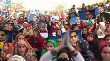 印度反公民新法示威規模擴大!24死逾7千人被捕
