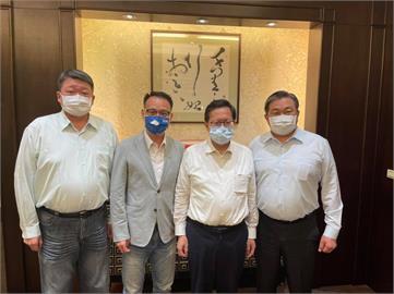 鄭文燦、王定宇「重量級」合照!網1看笑喊小英「黨紀處分」