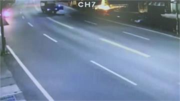 疑未打好停車檔車滑動 老翁遭撞擊幸送醫無礙
