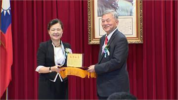 強調靠專業上任!王美花接任經濟部長力拚振興復甦