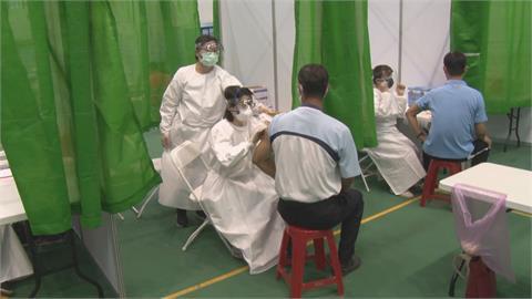 南市府設置3處大型接種站 拚最短時間內打完疫苗