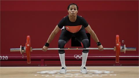 37歲巴紐掌旗官圖阿史「5度參加」女子舉重!成奧運史上第1人