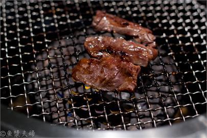 美食/【食記】東京 新橋 來自赤坂最老舖的橫隔膜 草之家 草の家 燒肉 烤肉 和牛 推薦 午餐 中午 必吃