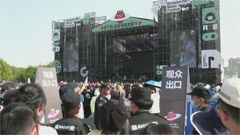 教訓全拋腦後? 逾萬人擠進武漢草莓音樂節