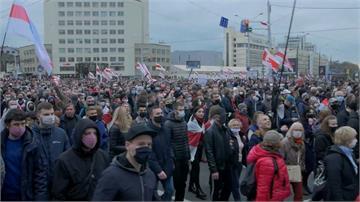 快新聞/白俄羅斯首都10萬人上街要求總統下台 反對派揚言26日大罷工