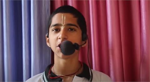 「血月」將來臨!印度神童:疫情將會有更高峰 曝「全球復甦時間點」