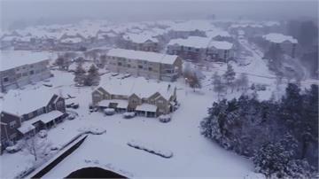 美國東南部暴風雪肆虐 空陸交通大打結