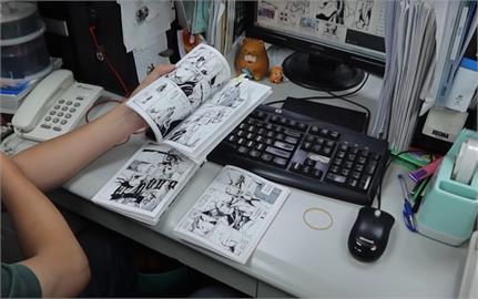 台灣漫畫巨擘!深耕44年 引進《鬼滅》、《進擊的巨人》幕後推手